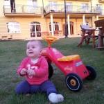Helena mit Dreirad